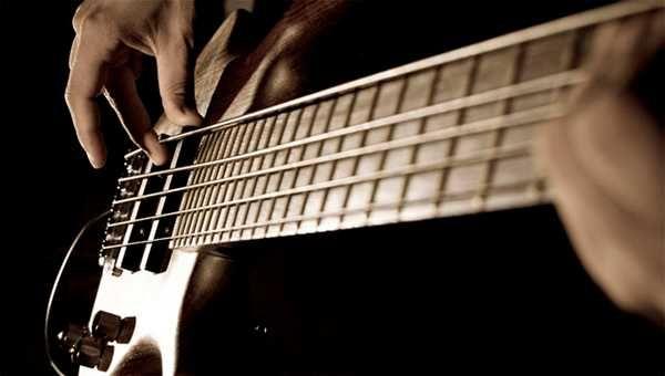 Требуется бас-гитарист
