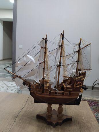 Модель корабля ручной работы