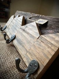 Drewniany wieszak Wieszak z drewna Loft Vintage Rękodzieło 18x51 cm