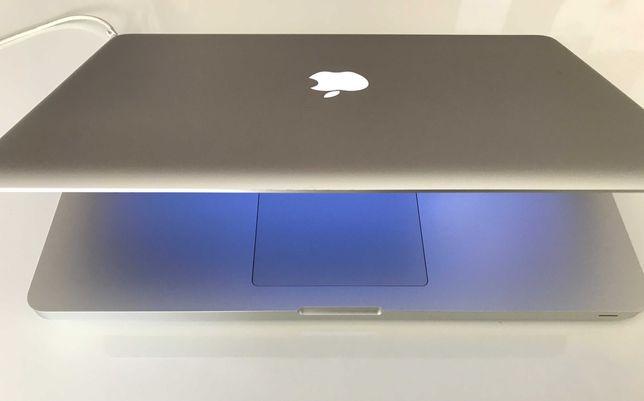 MacBook Pro de 15'', final do ano 2011, em óptimo estado