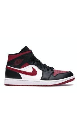 Air Jordan 1Mid Bred Toe