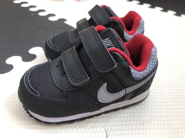 Nike MD Runner r. 19 19,5