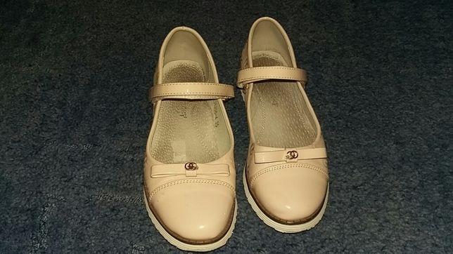 Туфли на девочку р. 35