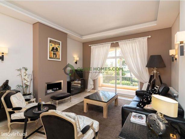 Apartamento de cobertura exclusivo de 3 quartos com vista para o golfe
