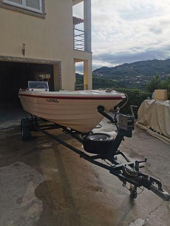 Vendo barco de rio