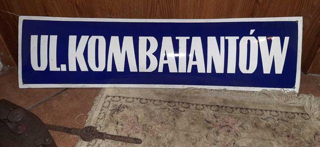 Tablica  emaliowana z PRL-u Ul.KOMBATANTÓW