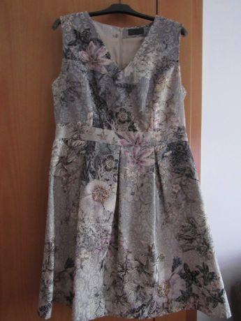 Vestido Lanidor, tamanho 42, tecido estampado brocado.