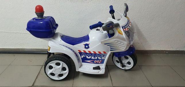 Moto policia com bateria