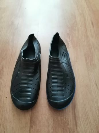 Gumowe buty do wody, pływania