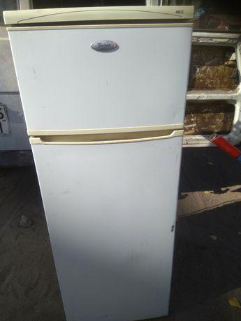 Продам холодильник Вирпул