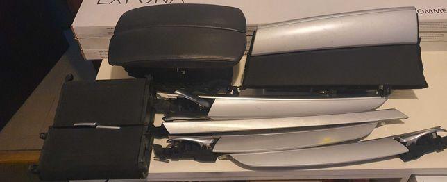 Listwy, schowek, popielniczka,  klamki. Części BMW X5 e70.
