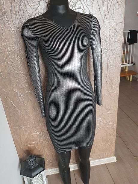 Srebrna sweterkowa sukienka