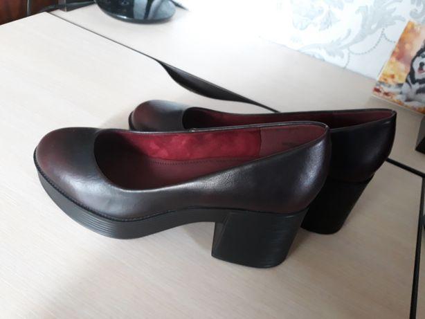 Продам новые туфли 38 размер
