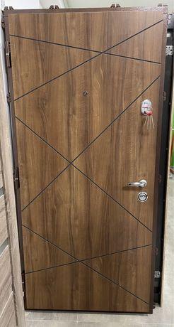 Двері вхідні 960х2050 ліві