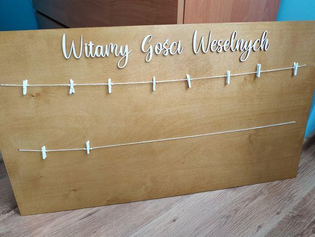 Tablica powitanie gości i rozpiska stołów