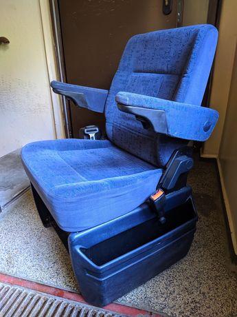 Fotel koziołek T4 multivan x2