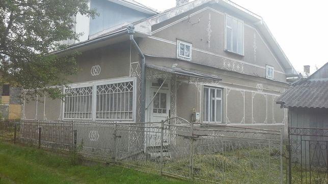Продається будинок в центрі Перегінська!