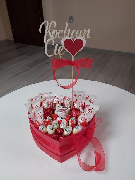 Walentynkowy słodki upominek serce czerwone raffaello słodycze