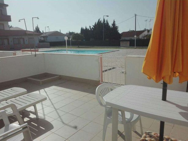 T2 Apartamento com piscina Manta Rota