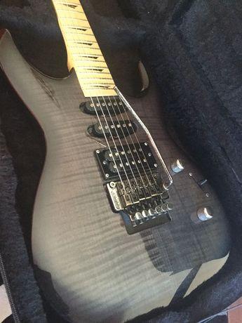 Guitarra Kramer Striker Custom 211 fr