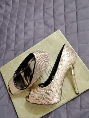 Buty złote rozmiar 36