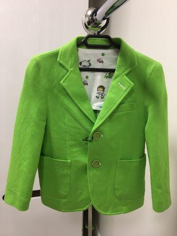 Пиджак на 4 года итальянский трикотажный новый для мальчика.