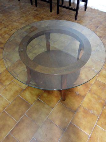 Mesa de Centro Redonda / Em madeira e vidro