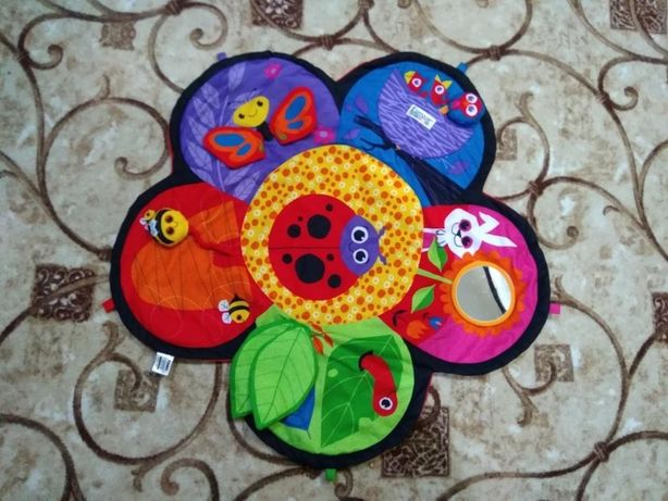 Развивающий коврик Цветочек Lamaze