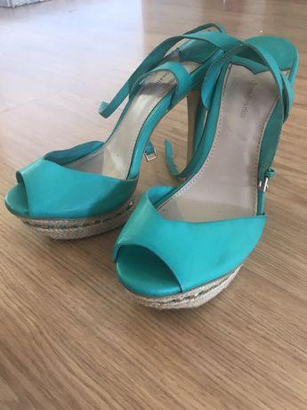 Sandálias verdes stradivarius 38