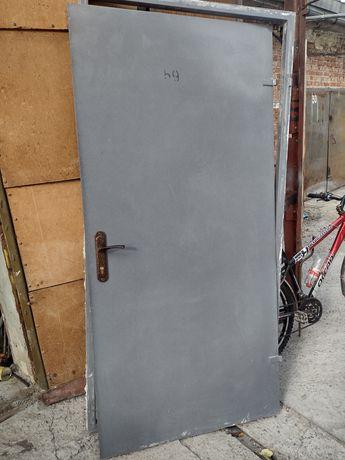 Двері металеві бу