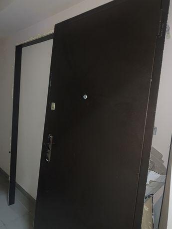 Входные двери от застройщика. Правая. 960х2050