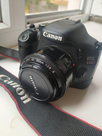 Продам фотоапарат Canon 550D
