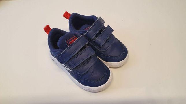 Buty chłopięce adidas rozmiar 20