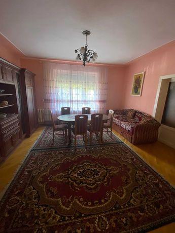 Продаж чотирикімнатного будинку