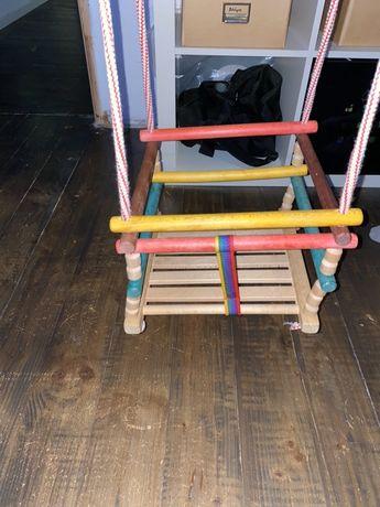 Chuśtawka dziecięca drewniana do zawieszenia