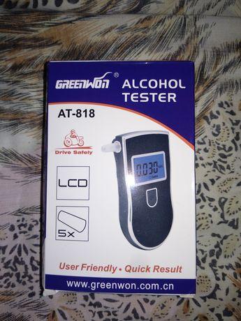 Кишеньковий професійний цифровий алкотестер з екраном AT818