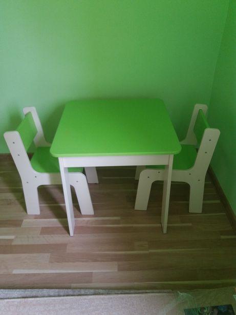 Stolik dziecięcy i 2 krzesełka