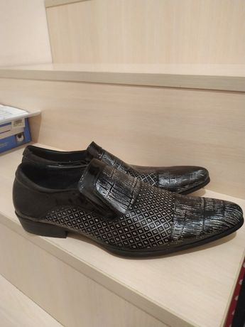 чоловічі туфлі Vladis