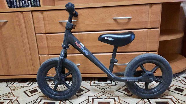Велобег, беговел детский Kiddi Moto