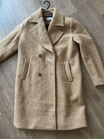 Пальто женское Reserved 42 р.
