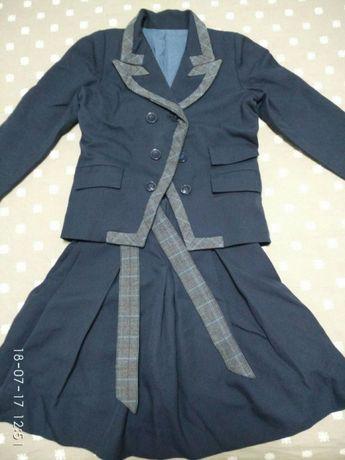 Школьная форма( юбка,жакет и брюки)