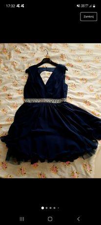 Tiulowa sukienka