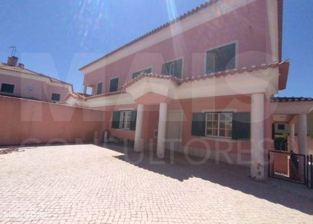 Moradia T5 em Albarraque