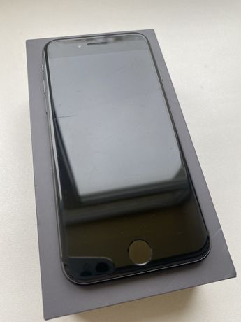 Apple iPhone 8 64GB Black б/у