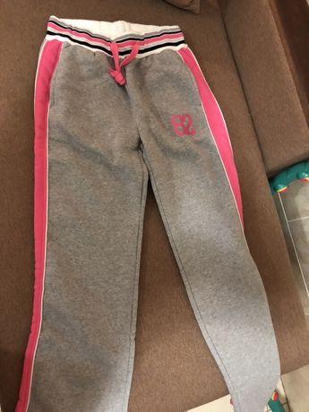 Фирменные штаны спортивные на девочку 12-14 лет . Новые Размер м