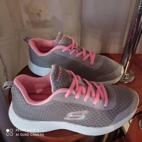Кроссовки Skechers на девочку 33,5р (21см) В отличном состоянии!