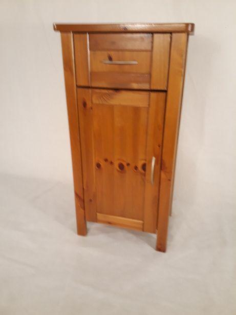 Sosnowa drewniana szafka z szufladą