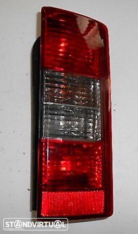 Farolim Opel Combo 2002 Dir - Usado