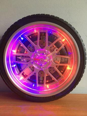 Opona / Koło - Zegar Ścienny - Świecący kolorowo - Mechanik / Auto