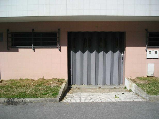 Garagem / armazém  junto Braga Retail Center Areal Cima